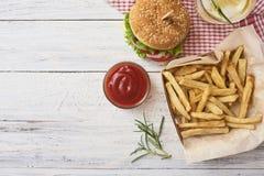 Imagem do hamburguer saboroso fresco foto de stock royalty free