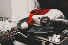 Imagem do Natal Gramofone que joga um registro Gramofone com registro de vinil imagem de stock