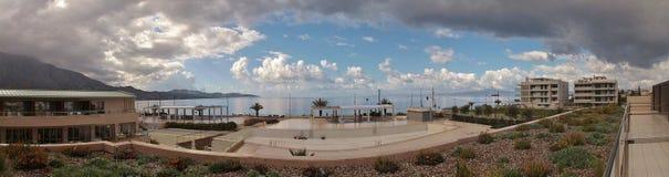 Imagem do panorama da baía de Messinian em Kalamata, Peloponnese, Grécia, Europa fotografia de stock