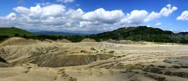 Imagem do panorama de vulcanos enlameados Imagem de Stock Royalty Free