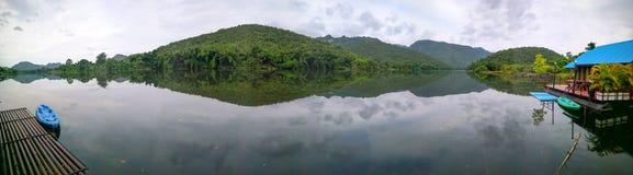 Imagem do panorama do kwai do rio imagens de stock royalty free