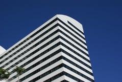 Imagem do prédio de escritórios moderno imagens de stock royalty free