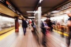 Imagem do zumbido de uma estação de metro em NYC Fotografia de Stock
