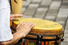 Imagem dos bongos do cilindro foto de stock