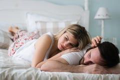 Imagem dos pares novos que têm problemas do relacionamento foto de stock royalty free