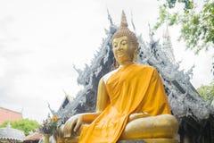 Imagem dourada de buddha do close up no templo Chiang Mai, Tailândia Fotografia de Stock