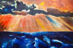 A imagem horizontal descreve o mar escuro e o por do sol Fotografia de Stock