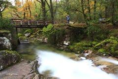Imagem longa da exposição de um rio em Geres, porta Imagem de Stock Royalty Free