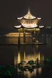 Imagem longa da exposição do lago Xihu na noite Imagem de Stock