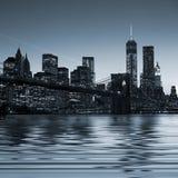 Imagem panorâmico Manhattan do centro na noite fotografia de stock royalty free