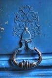 Imagem parisiense antiga do close-up da porta imagens de stock