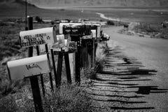 Imagem preto e branco artística com as caixas postais da estrada da mãe de ROUTE 66 fotos de stock royalty free