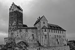 Imagem preto e branco de Katzenstein do castelo velho Fotografia de Stock Royalty Free