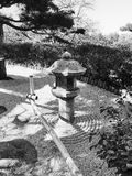 Imagem preto e branco do jardim japonês da areia Imagens de Stock
