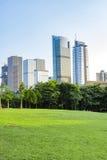 Imagem tonificada de prédios de escritórios modernos Fotografia de Stock Royalty Free