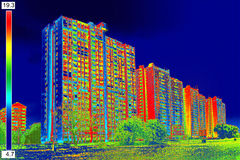 Imagem térmica em building_10 residencial Imagens de Stock