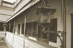Imagem velha preta & branca e do vintage do corredor de um histori fotografia de stock