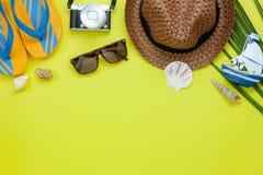 Imagen aérea de la opinión de sobremesa del accesorio para el fondo del día de fiesta del viaje del verano Imagenes de archivo