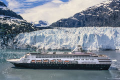 Imagen aérea del barco de cruceros en Alaska Imagenes de archivo