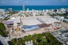 Imagen aérea del Miami Beach Convention Center bajo construc Foto de archivo