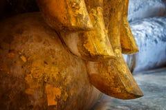 Imagen asentada de Buda en el templo de Wat Si Chum en el parque histórico de Sukhothai, un sitio del patrimonio mundial de la UN Imagen de archivo libre de regalías