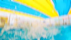 Imagen borrosa de una piscina Efecto abstracto de la falta de definición de movimiento Foto de archivo