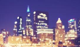 Imagen borrosa del centro de la ciudad en la noche, los E.E.U.U. de Chicago imagenes de archivo