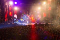 Imagen borrosa del concierto libre de la noche Imagenes de archivo