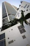 Imagen común de la arquitectura abstracta del highrise fotografía de archivo libre de regalías