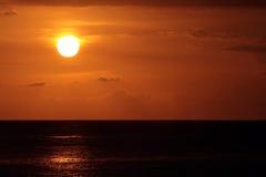 Imagen común de la playa de Waikiki, Honolulu, Oahu, Hawaii fotografía de archivo libre de regalías