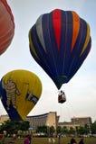 Imagen común de los globos coloridos del aire caliente Foto de archivo