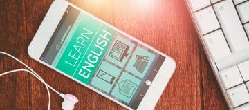 Imagen compuesta 3d de la imagen compuesta digital del interfaz en línea de la educación en la pantalla Fotos de archivo libres de regalías