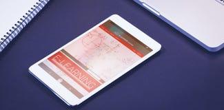 Imagen compuesta 3d de la imagen gráfica del interfaz en línea de la educación en la pantalla Foto de archivo libre de regalías
