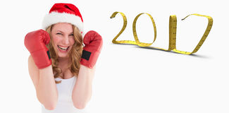 imagen compuesta 3D de los guantes de boxeo de la mujer que llevan rubia que sonríen en la cámara Fotografía de archivo