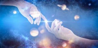 Imagen compuesta de la mano del hombre que finge llevar a cabo un objeto invisible 3D libre illustration