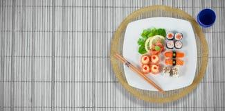 Imagen compuesta de la opinión de alto ángulo de la comida japonesa Fotos de archivo