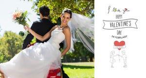 Imagen compuesta de los pares del recién casado que se sientan en la vespa en parque Imagenes de archivo