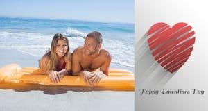 Imagen compuesta de los pares lindos de las tarjetas del día de San Valentín Fotografía de archivo libre de regalías