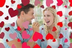 Imagen compuesta de los pares lindos de las tarjetas del día de San Valentín Imagenes de archivo