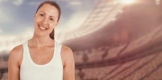Imagen compuesta del atleta de sexo femenino que presenta en el fondo blanco Imagenes de archivo