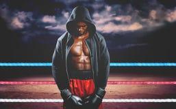 Imagen compuesta del boxeador que presenta después de fracaso Imagen de archivo libre de regalías