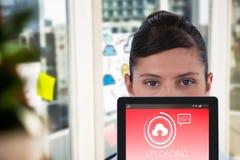 Imagen compuesta del retrato del doctor de sexo femenino con la tableta digital Fotos de archivo