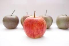 Imagen conceptual de las manzanas. Imagenes de archivo