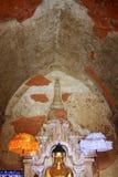 Imagen de Buda del templo de Htilominlo, Bagan, Myanmar Foto de archivo