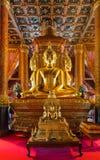 Imagen de Buda en la iglesia del templo de Wat Phumin Imagenes de archivo
