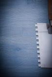 Imagen de Copyspace muy cerca encima de la opinión sobre el cuchillo de masilla de acero Fotografía de archivo