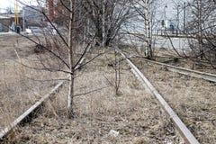 Imagen de Dystopic de un ferrocarril abandonado y abandonado Fotografía de archivo