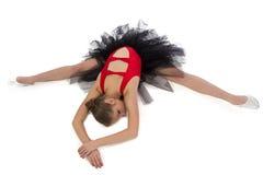 Imagen de estirar a la muchacha con los brazos cruzados Foto de archivo