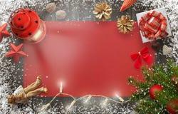 Imagen de fondo del Año Nuevo de la Navidad con las decoraciones y los regalos en el tablero de madera Imagenes de archivo