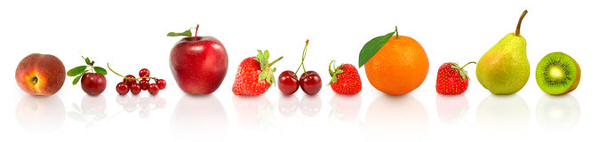 imagen de frutas y de bayas en el agua imagen de archivo libre de regalías